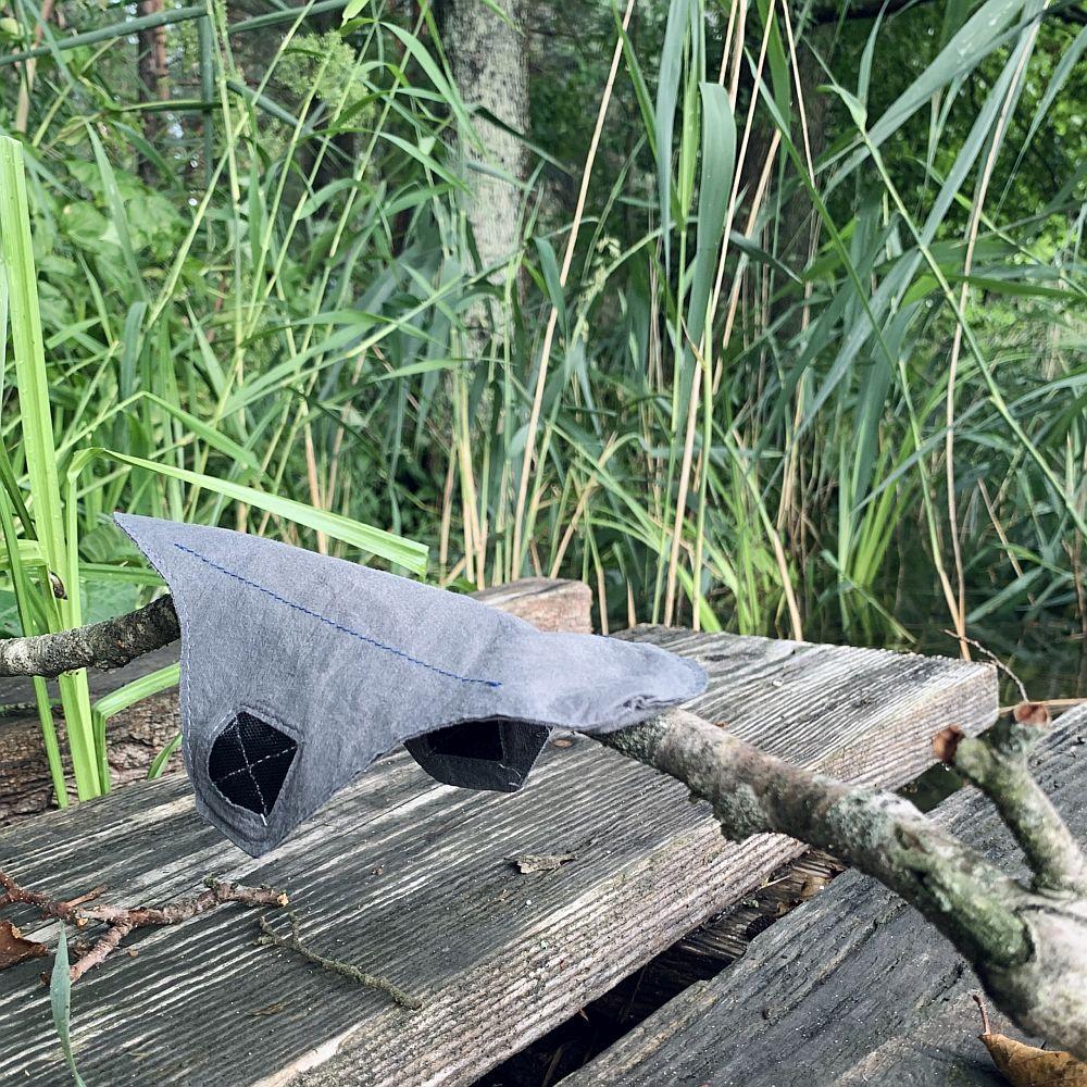 Miesiaczka-w-podrozy-czyli-wielorazowe-podpaski-jada-na-wakacje-podpaska-szara.jpg